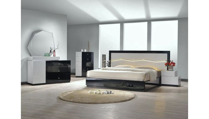 Berlin Lacquer Finish Platform Bed