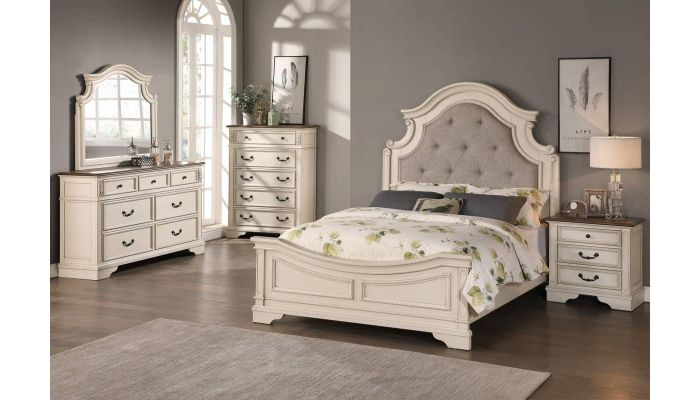Canterbury Traditional Style Bedroom