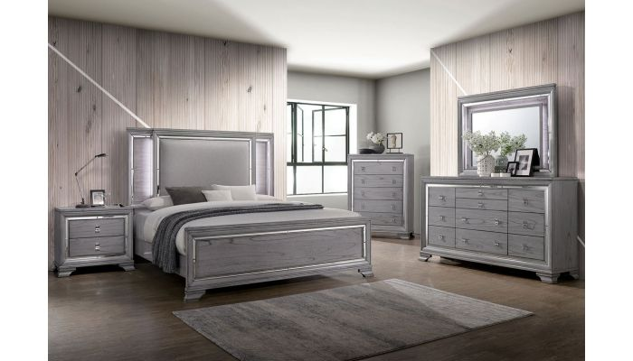 Diana Contemporary Bed With Mirror Accents