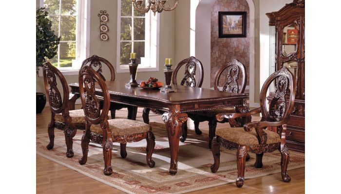 Evelyn Traditional Style Dining Room Set