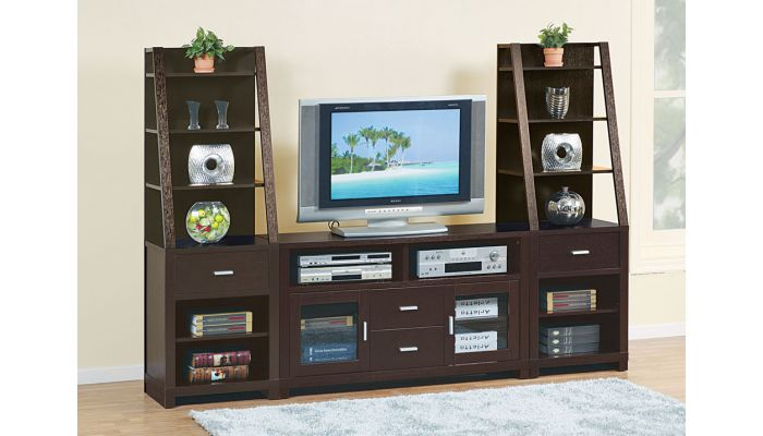 Granada Contemporary Entertainment Center