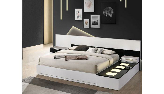 Impera Modern Style Lacquer Platform Bed