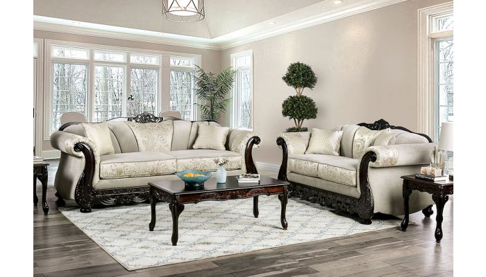Parnel Traditional Style Living Room