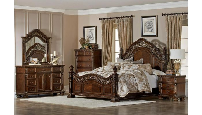 Pecardo Traditional Style Bedroom