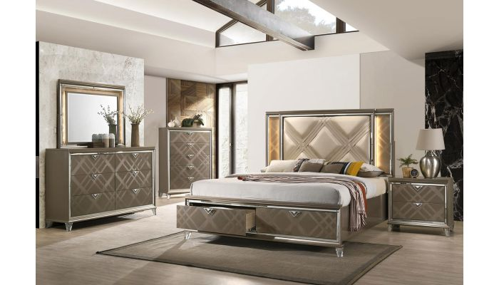 Salvino Bedroom With Mirror Accents