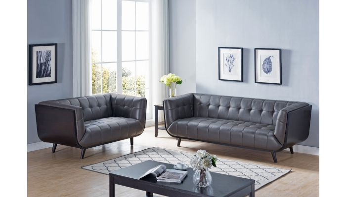 Suzy Modern Chesterfield Sofa