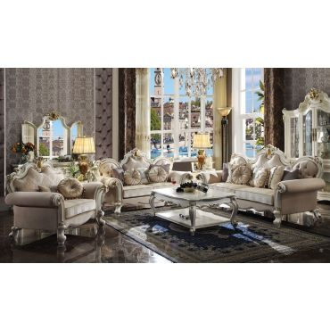 Alexandra Traditional Style Living Room