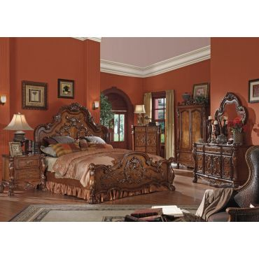 Dresden Traditional Style Bedroom Collection