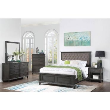 Volda Classic Bed With Tufted Headboard
