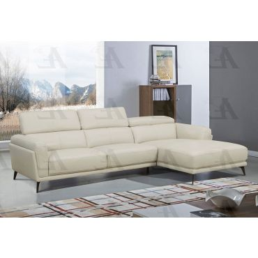 Yannis Sectional With Adjustable Headrests